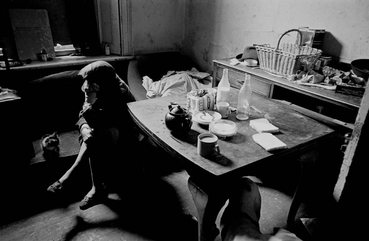 Photos of slum life and squalor in newcastle 1969 72 for Living room newcastle