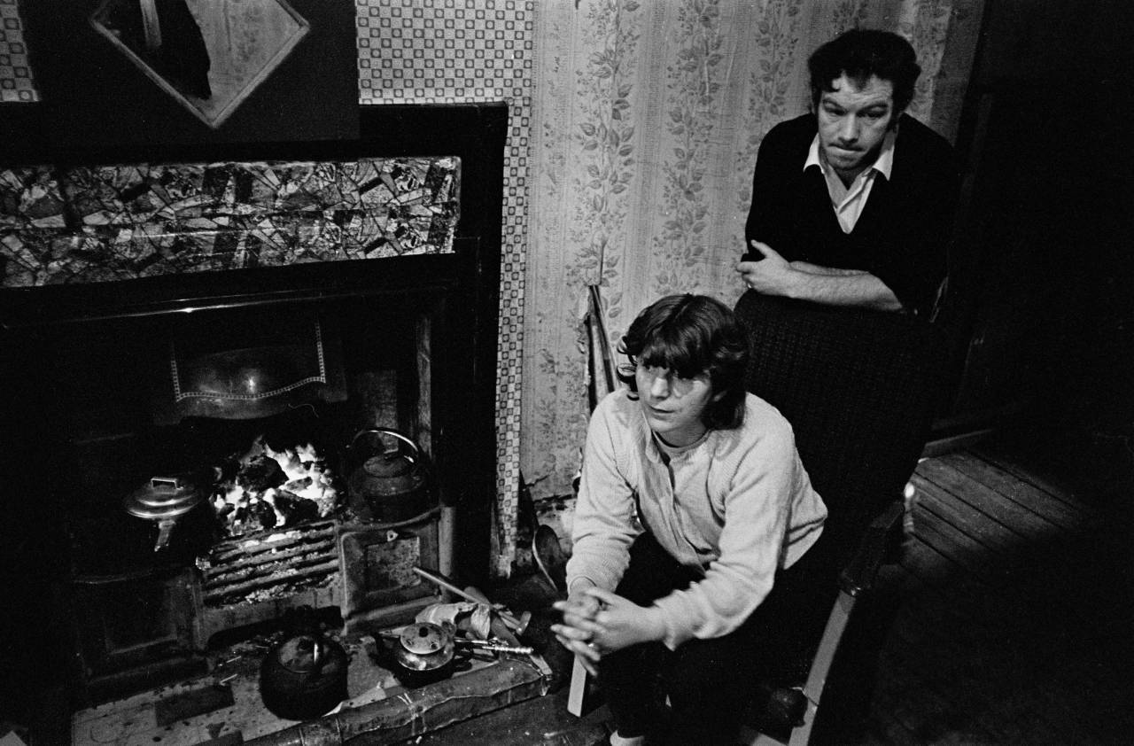 Married couple in their tenement flat Maryhill 1971