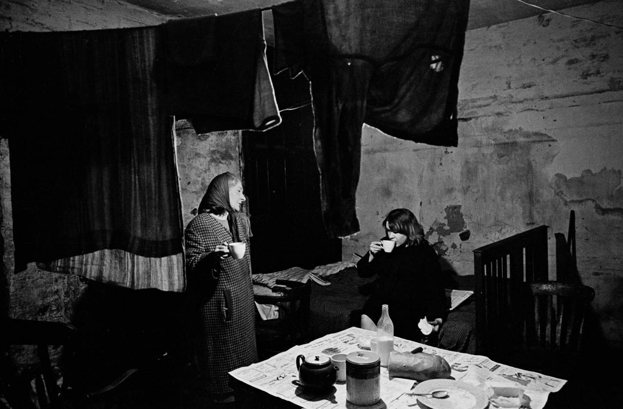 Mother and daughter in their cellar flat Liverpool 8 1969