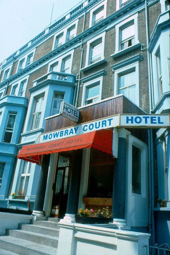 Mowbray Court Hotel Earls Court 1976 KH