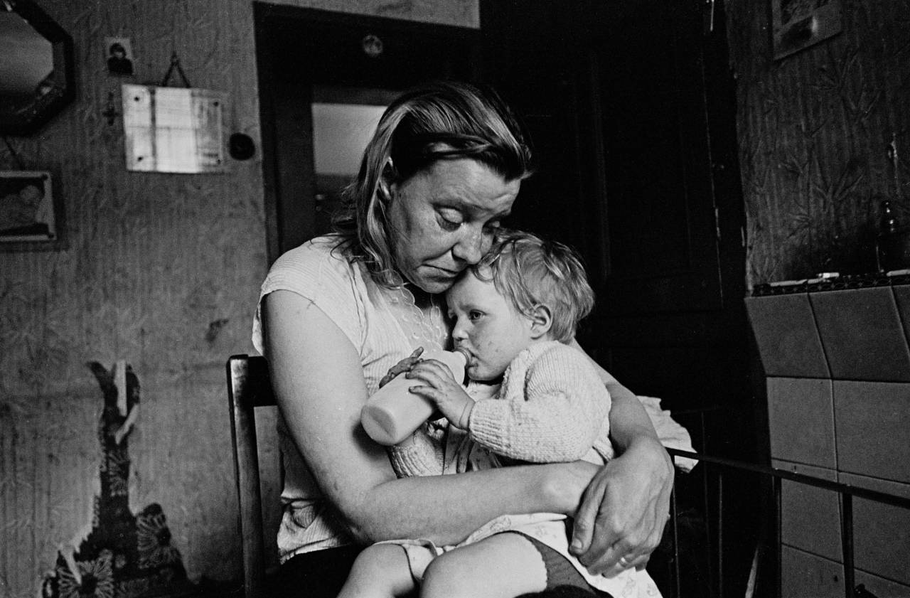 Mrs Tandy and her youngest child, Sheffield 1969