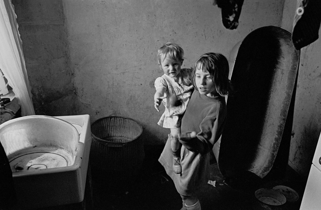 Mrs Tandy's daughters in the kitchen, Sheffield 1969