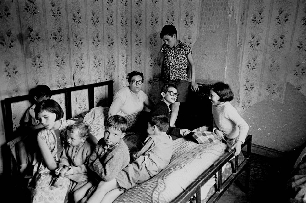 Overcrowded family, Bradford 1970