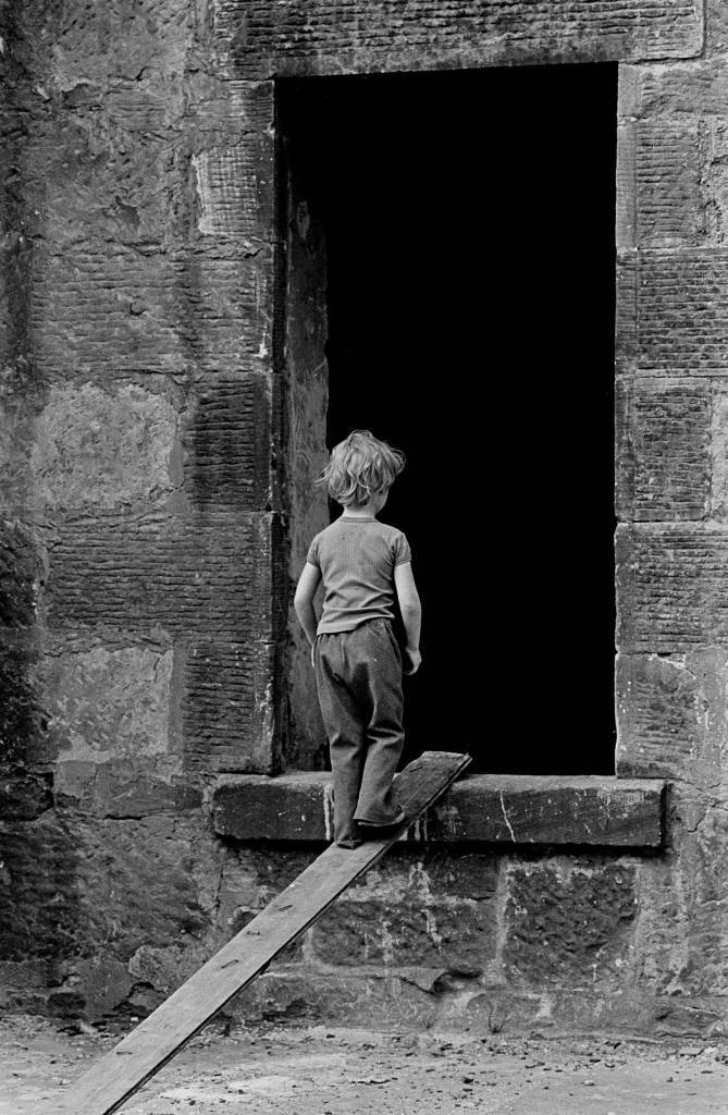 Play in a derelict Glasgow tenement 1971