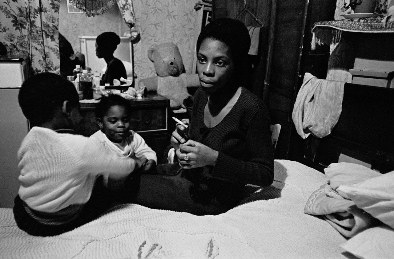 Single parent living in one room Tottenham 1972