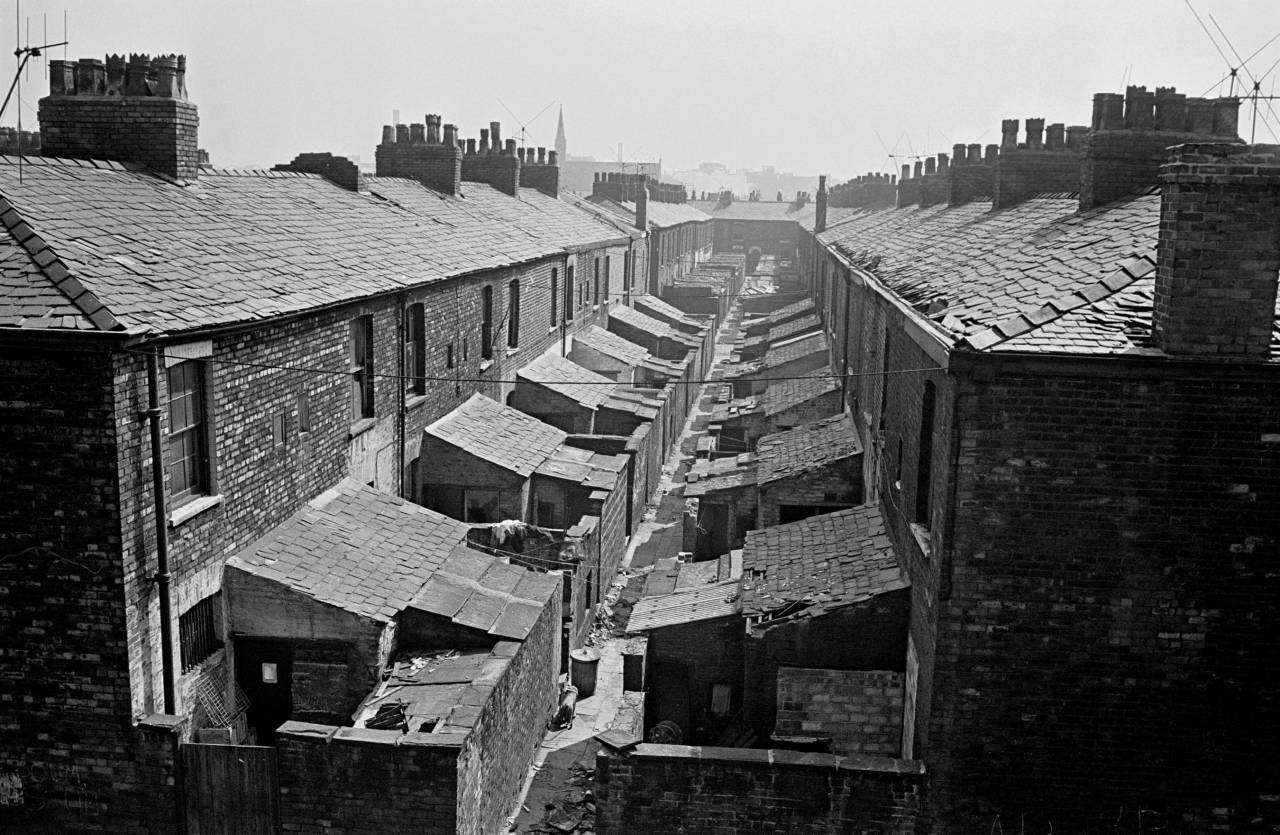 Terraced house backs Salford 1970