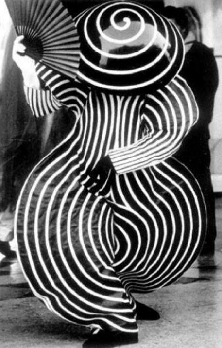 "Uncredited Photographer Oskar Schlemmer's ""Das Triadische Ballet,"" Stuttgart, Germany 1922"