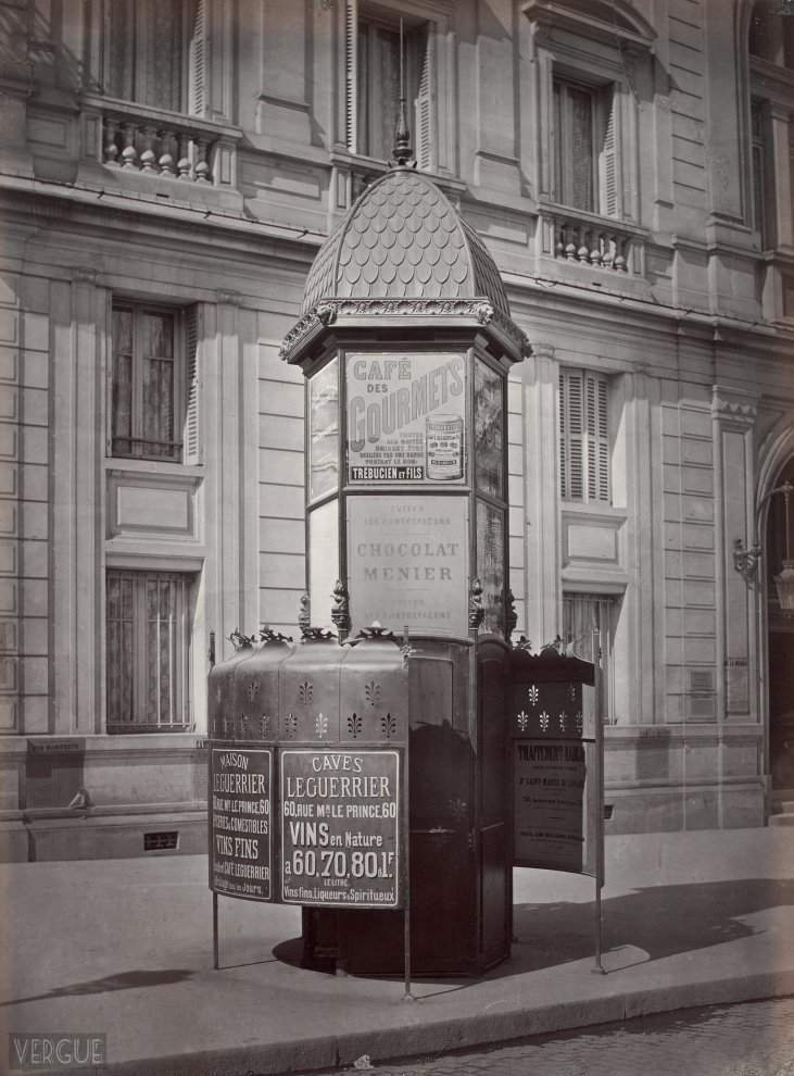 Urinal bright three stalls. Paris Advertising Company. Paris VI. Circa 1875.