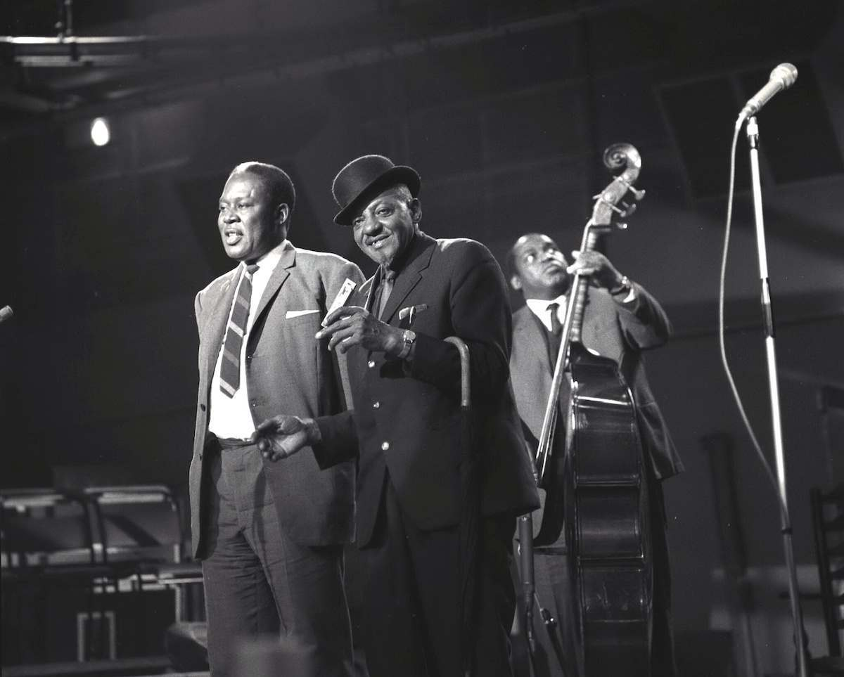 'I Hear The Blues' TV - 1963 - Memphis Slim and Sonny Boy Williamson with Willie Dixon on bass.