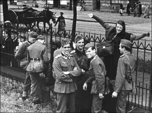 Hans Scholl (centre) Sophie Scholl and Alexander Schmorell (far right) (23rd July, 1942) The group needed funds for the printing and mailing of the leaflets.