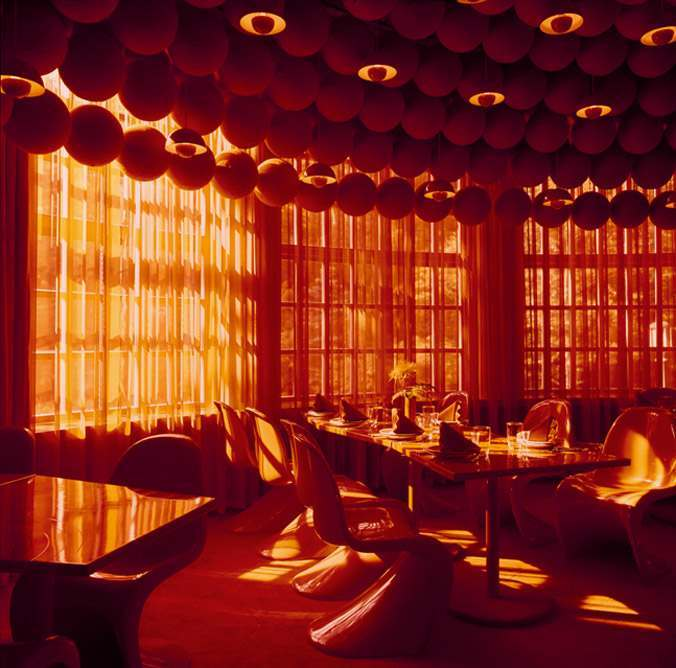 The trippy varna restaurant in rhus denmark by verner for Spiegel verlagshaus