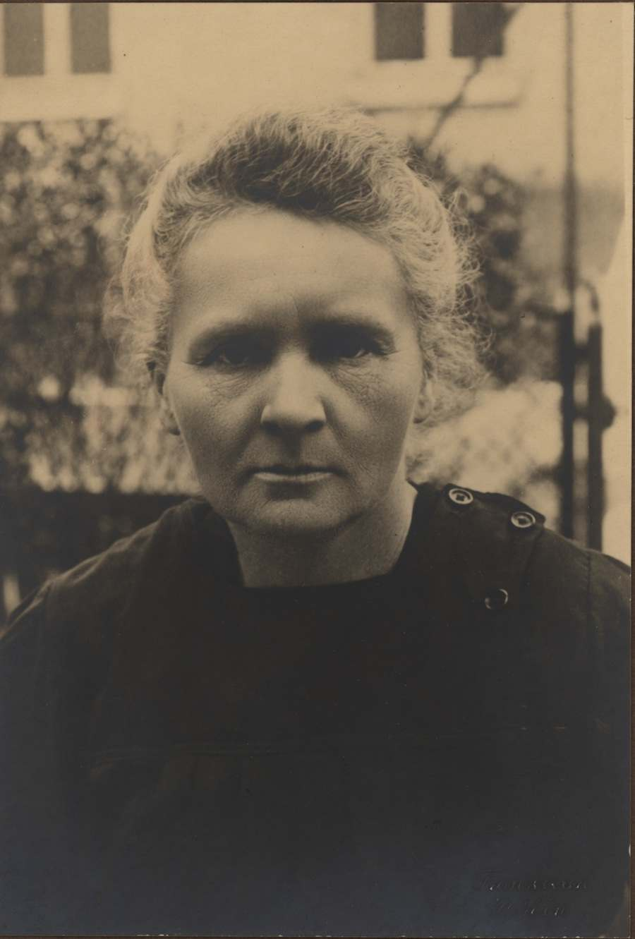 Scientific Identity, Portrait of Marie Curie