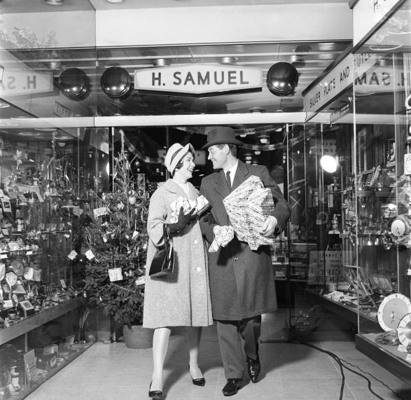 H. Samuel in Oxford Street 1960