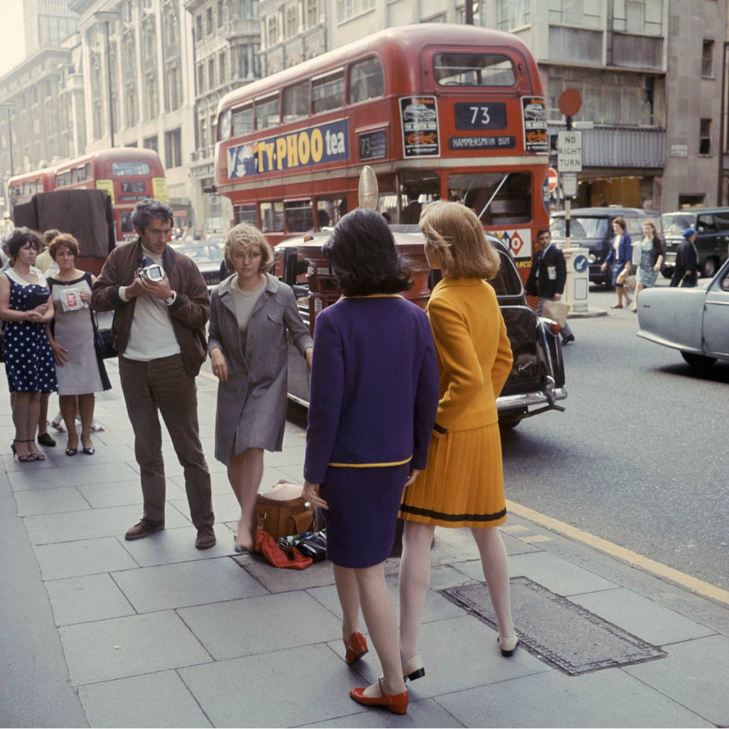 London 1966, Paul Huf working on a fashion shoot for Avenue Photo Sem Presser