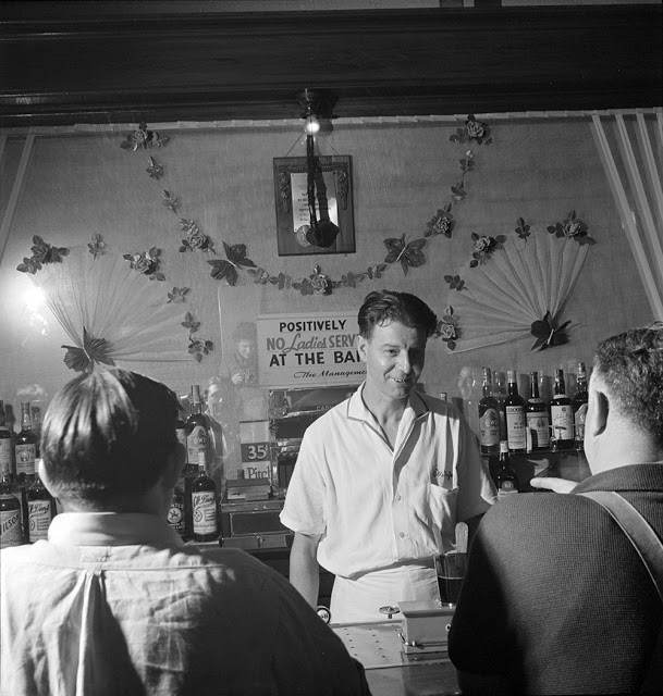 O'Reilly's Bar, 1942