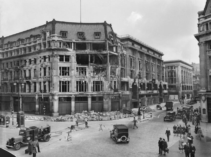 Peter Robinson department store Oxford Circus 1940.