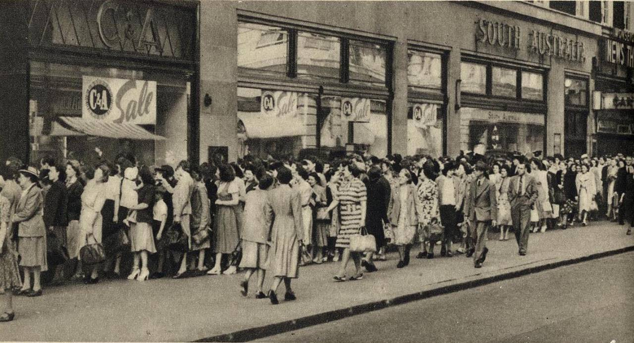 Queue for C & A's on Oxford Street 1950