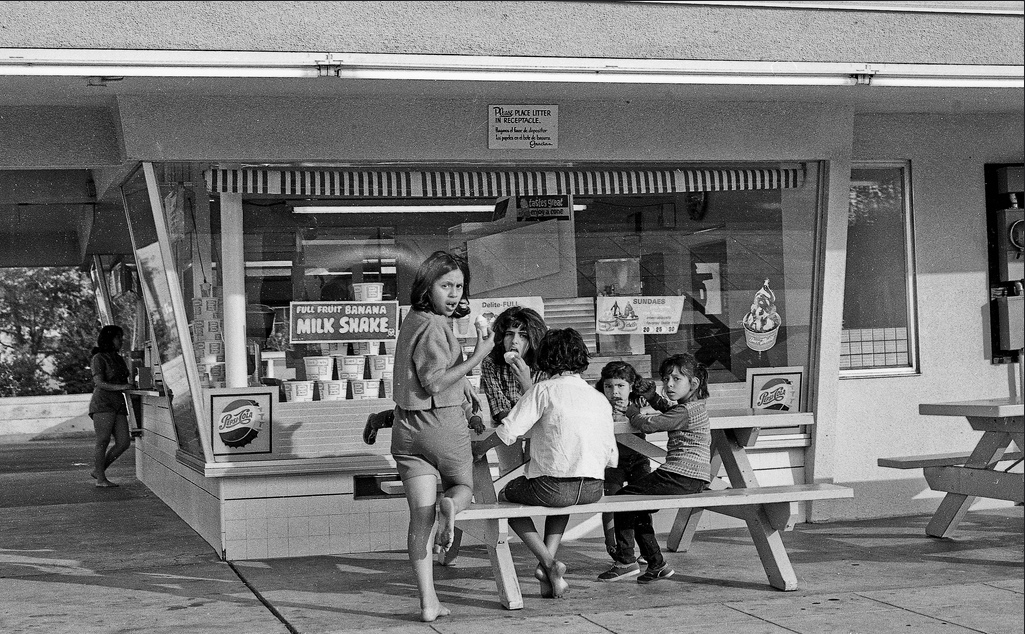 West Fresno Dari-Delite about 1964--img290 Drive -by shooting of the Dari-Delite franchise in old west Fresno, California.