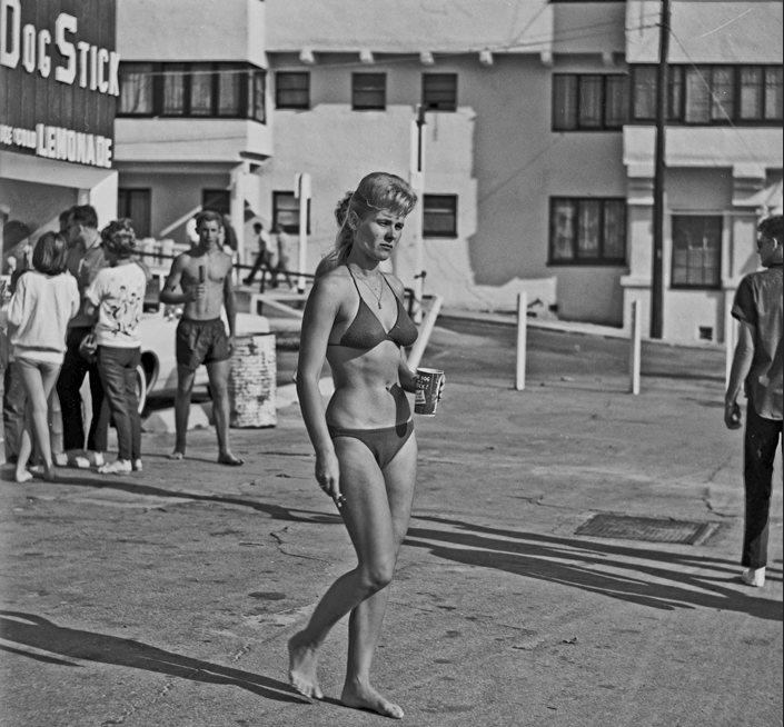 SANTA MONICA 28 March 1964 Photo project for state college photo journalism class back in 1964.