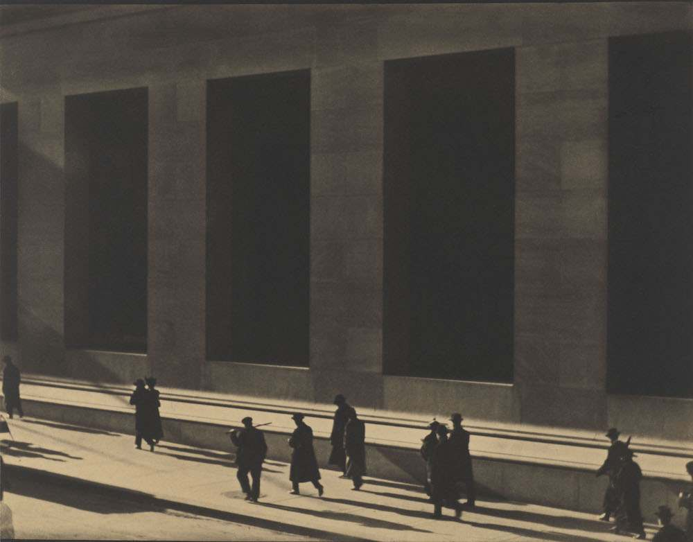 Wall_Street_New_York_1915_by_Paul_Strand__Paul_Strand_Archive_Aperture_Foundation