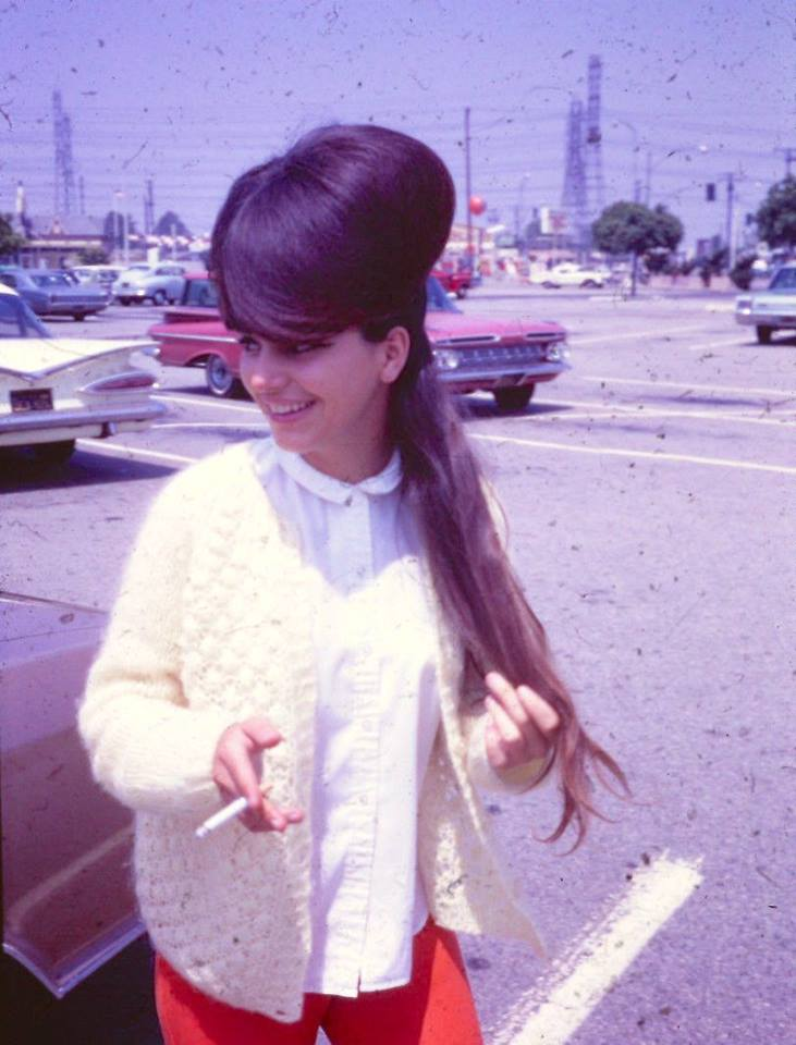 Women With Very Big Hair In The 1960s Flashbak