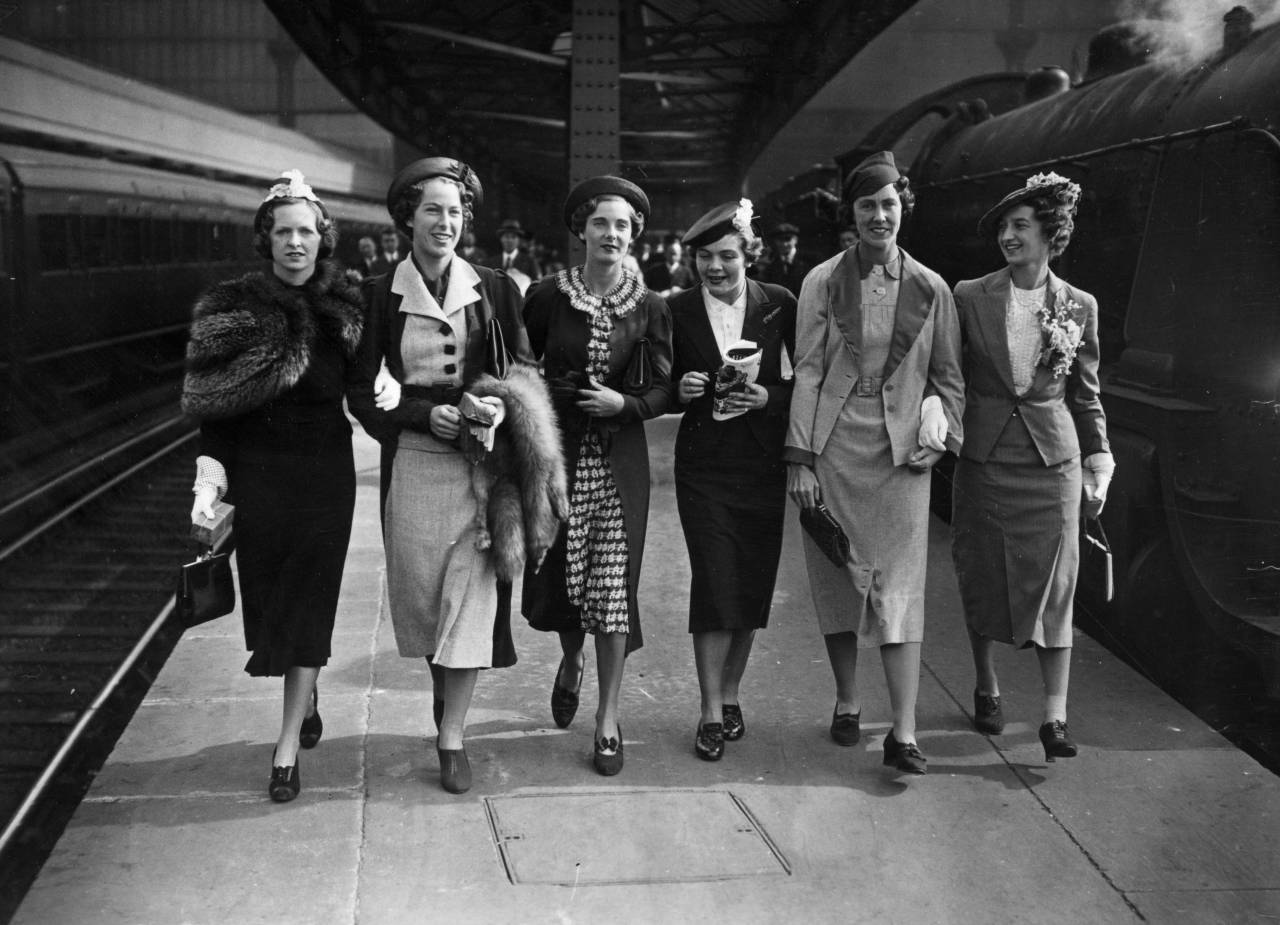 21st January 1937: The British Wightman Cup team at Waterloo Station, London, on their way to New York. Left to right: Freda James, M Lumb, Kay Stammers, E M Dearman, Joan Ingram and Mary Hardwick. (Photo by Topical Press Agency/Getty Images)