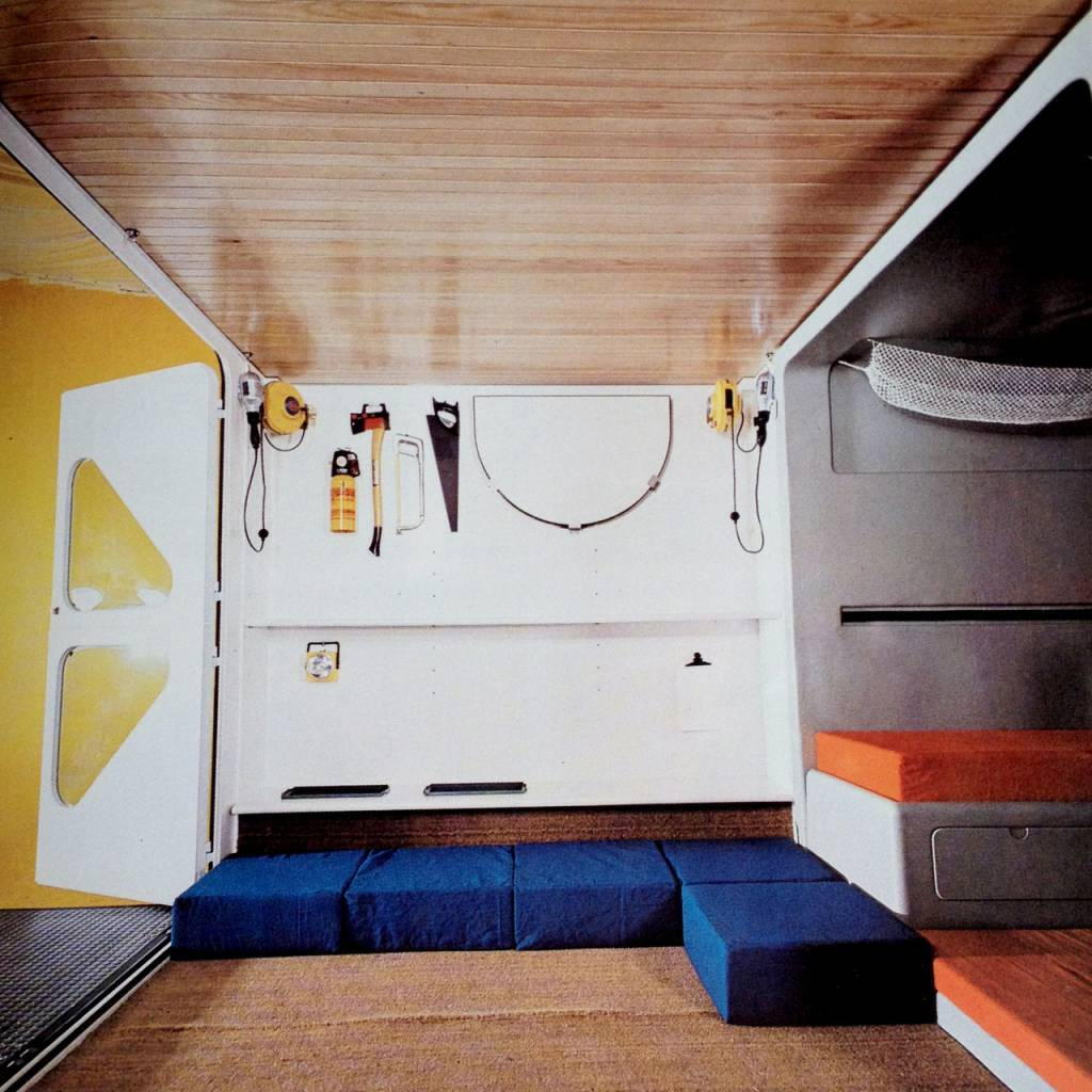 COMPLETE AND FULLY EQUIPPED HABITATIONS. MARCO ZANUSO & RICHARD SAPPER