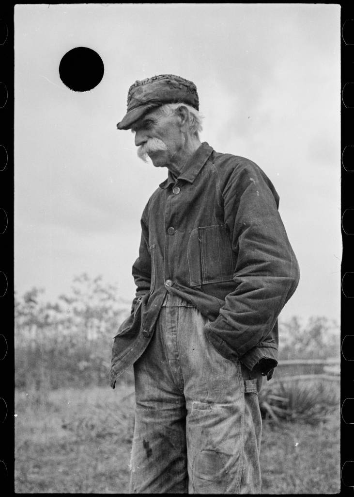 Roy Stryker FSA black hole photos FSA images of Depression-era America.