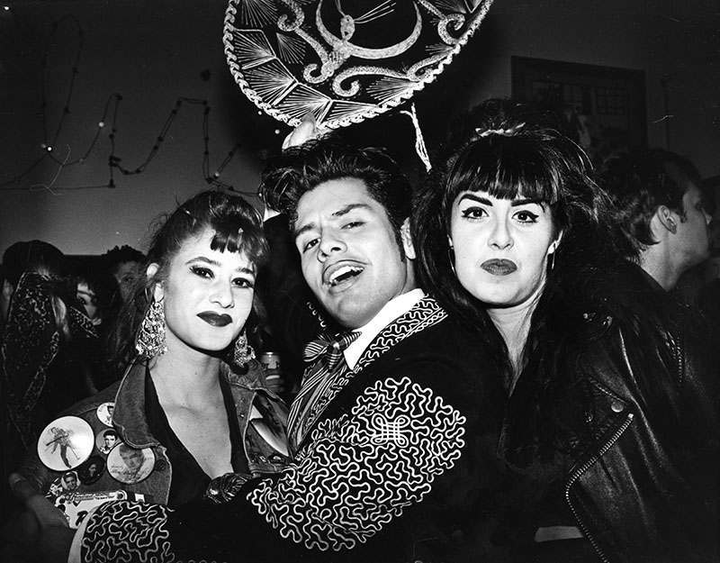 "Snowe, Lucy. 00054867 El Vez, ""The Mexican Elvis"" [graphic] /"