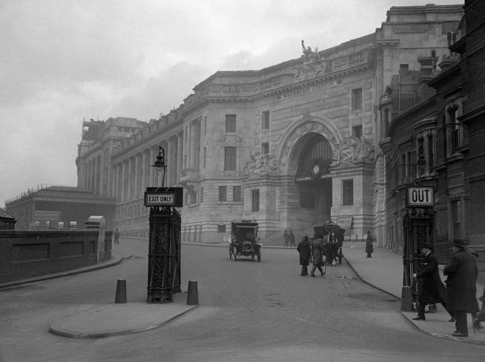 Waterloo Station 1922