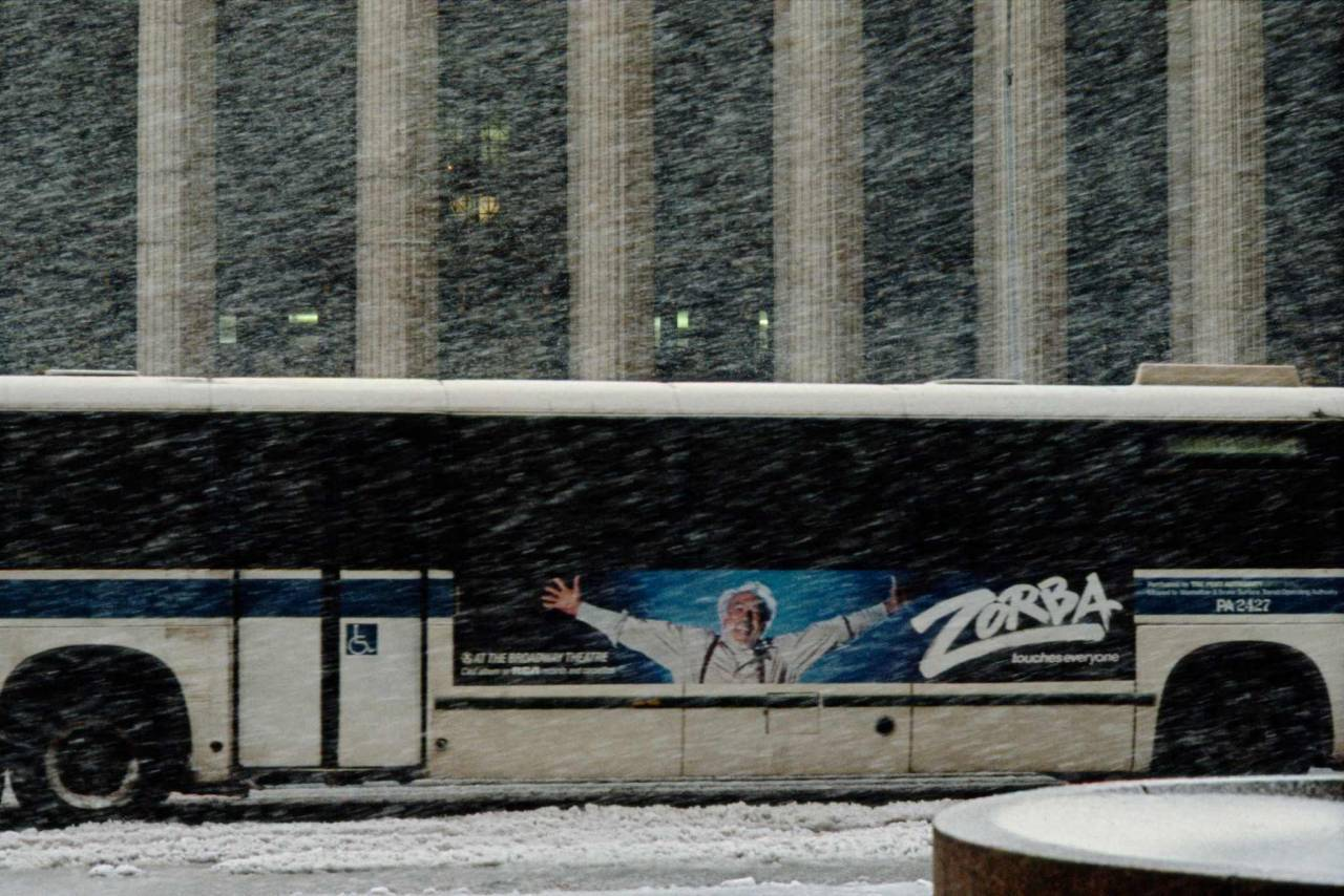 1984, New York, bus in snow storm