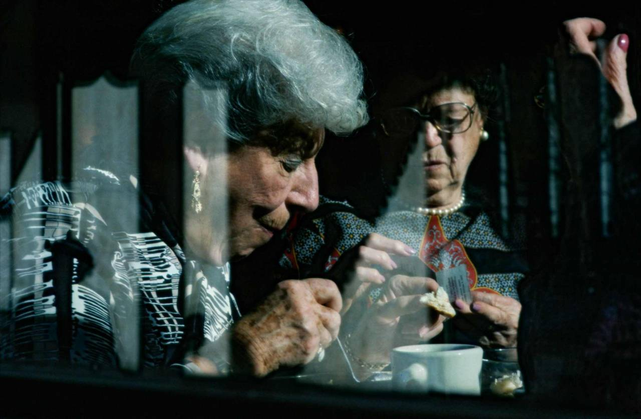 1986, New York, old ladies in a snack