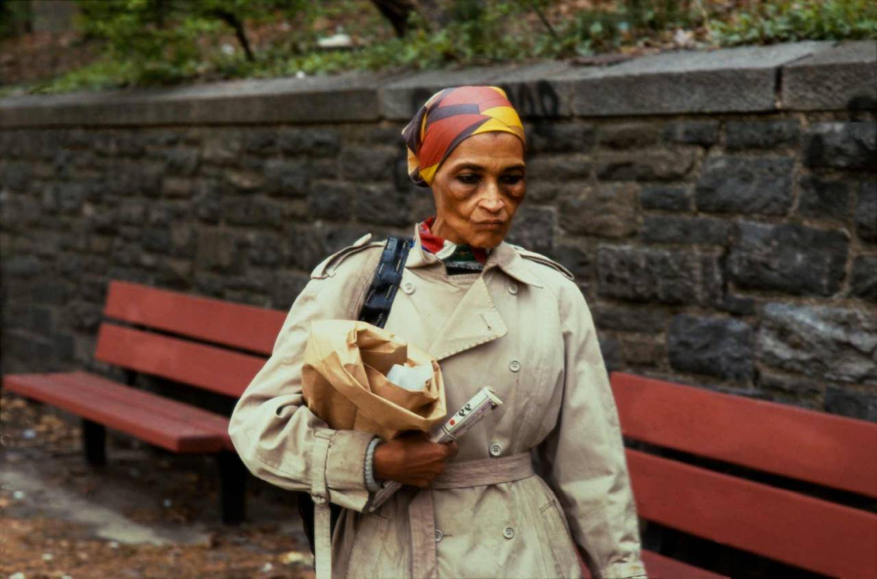 1986, New York, woman in a park