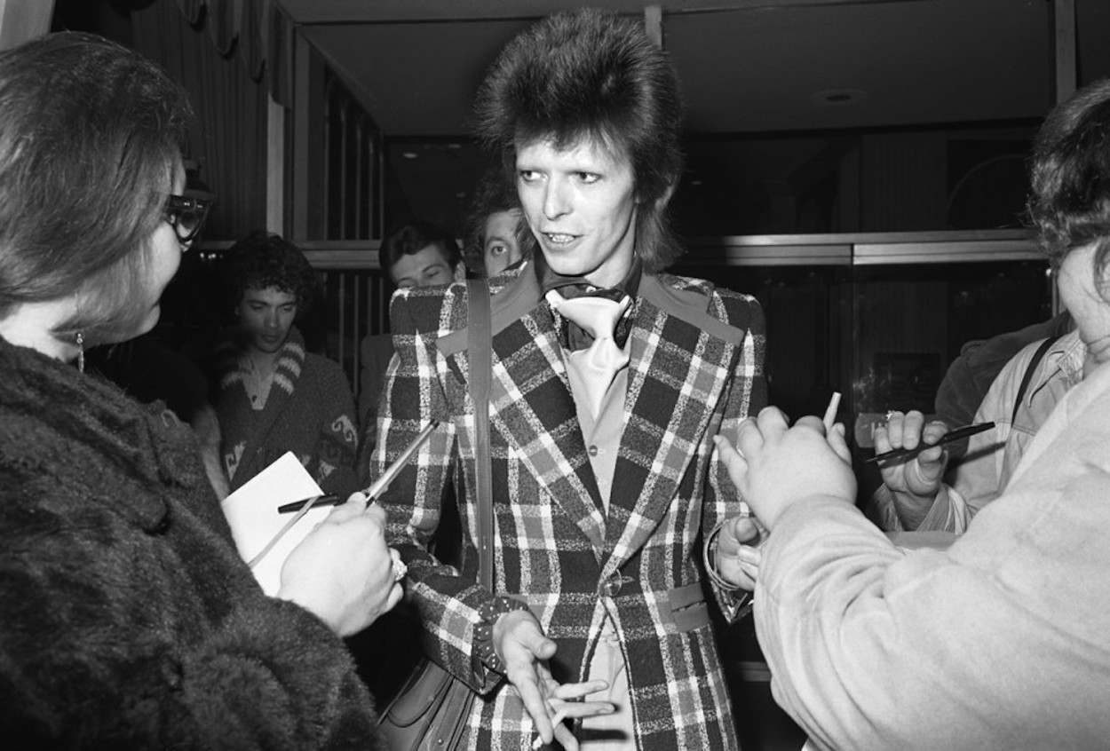 "Jang crashed an event at the Beverly Hilton and David Bowie showed up. ""It was just my way,"" Jang says. ""I woke up in the morning, saw something in the paper and said, 'I want to go there.'"""