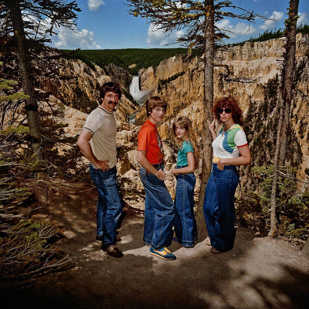 Family-at-Lower-Falls-Overlook-Yellowstone-National-Park-WY-1980