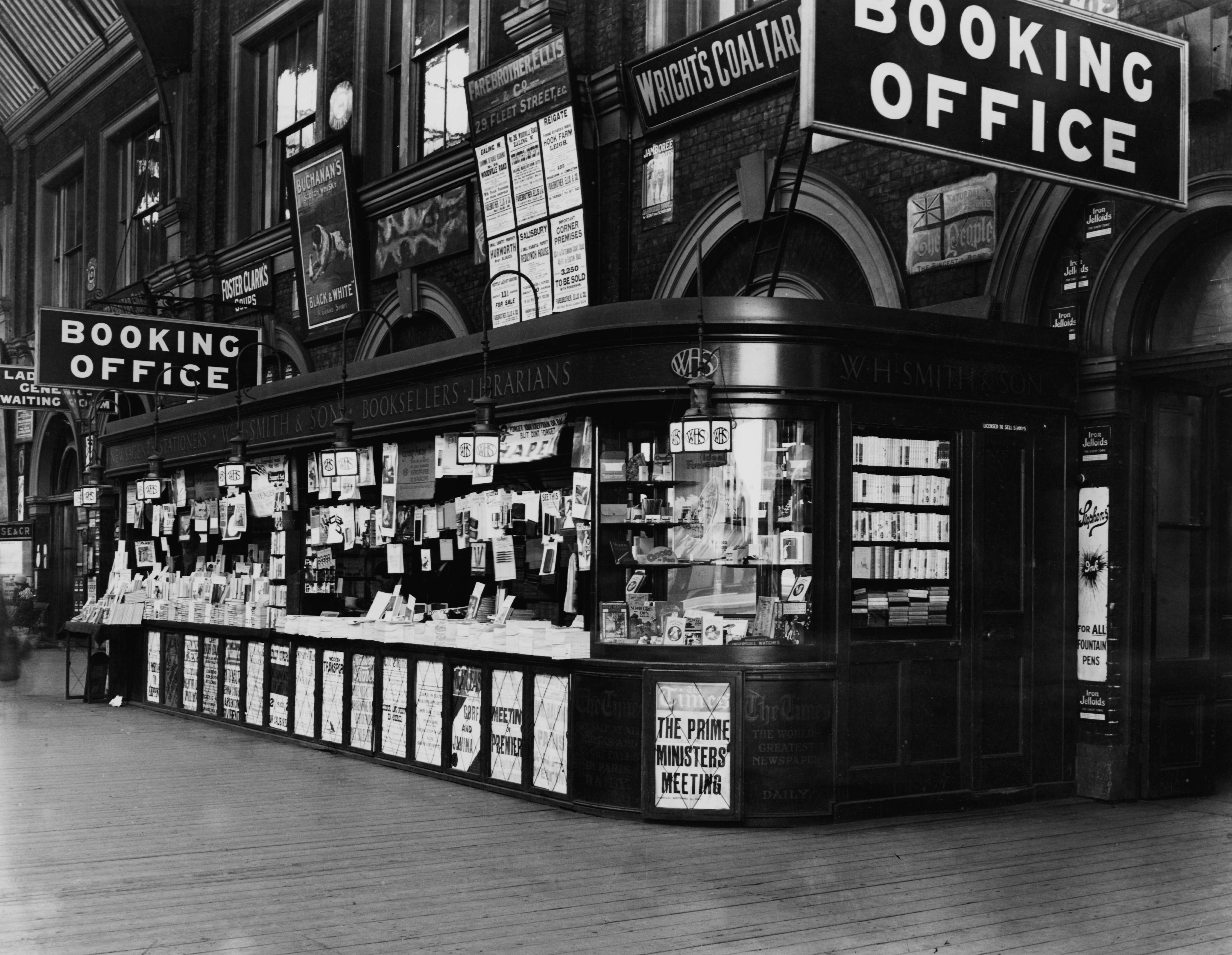 The W.H. Smith bookstall at Victoria Railway Station, London, January 1924. (Photo by Topical Press Agency/Hulton Archive/Getty Images)