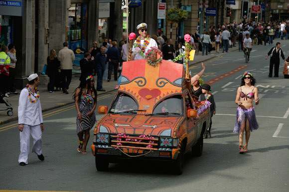 The Tiki Love Truck, Art Car Parade, Manchester, 2007. Photo: Paul Herrmann