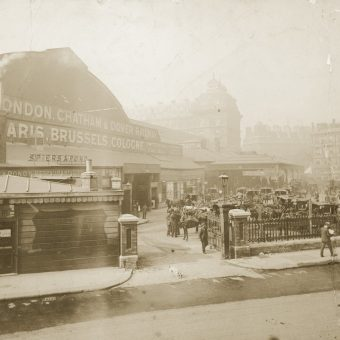 Victoria Station – A History in 33 Photos
