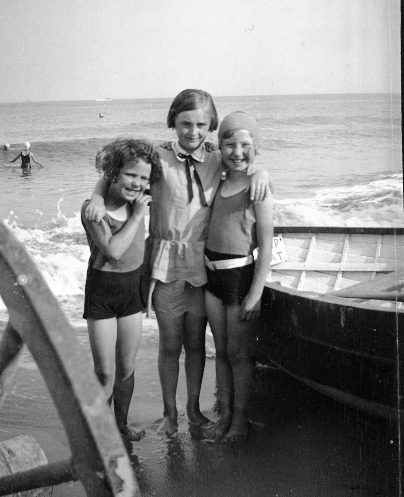 1920s family sussex kent coast holiday family beach