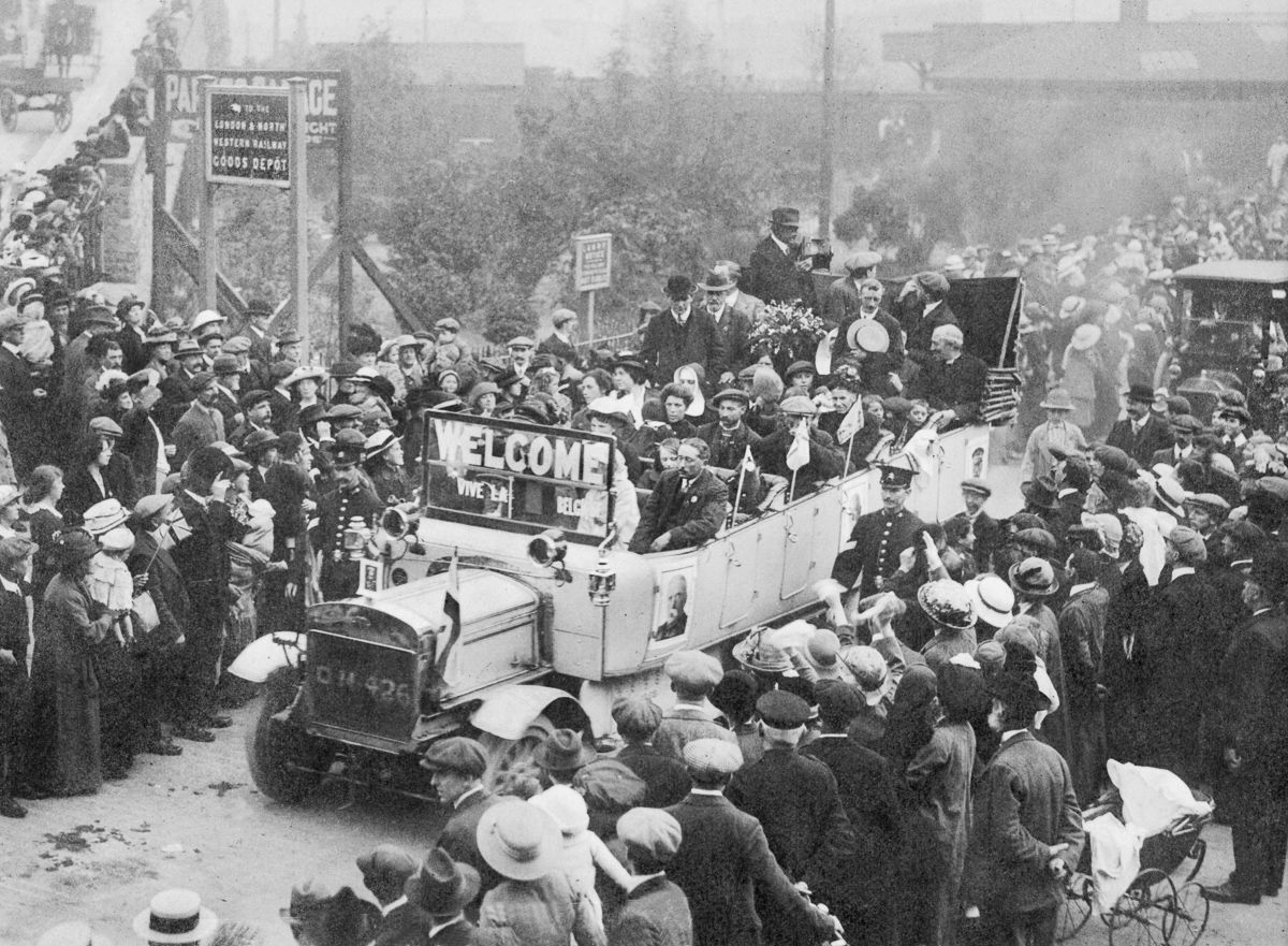 c. 1914 Belgian refugees arrive in the Welsh town of Rhyl.