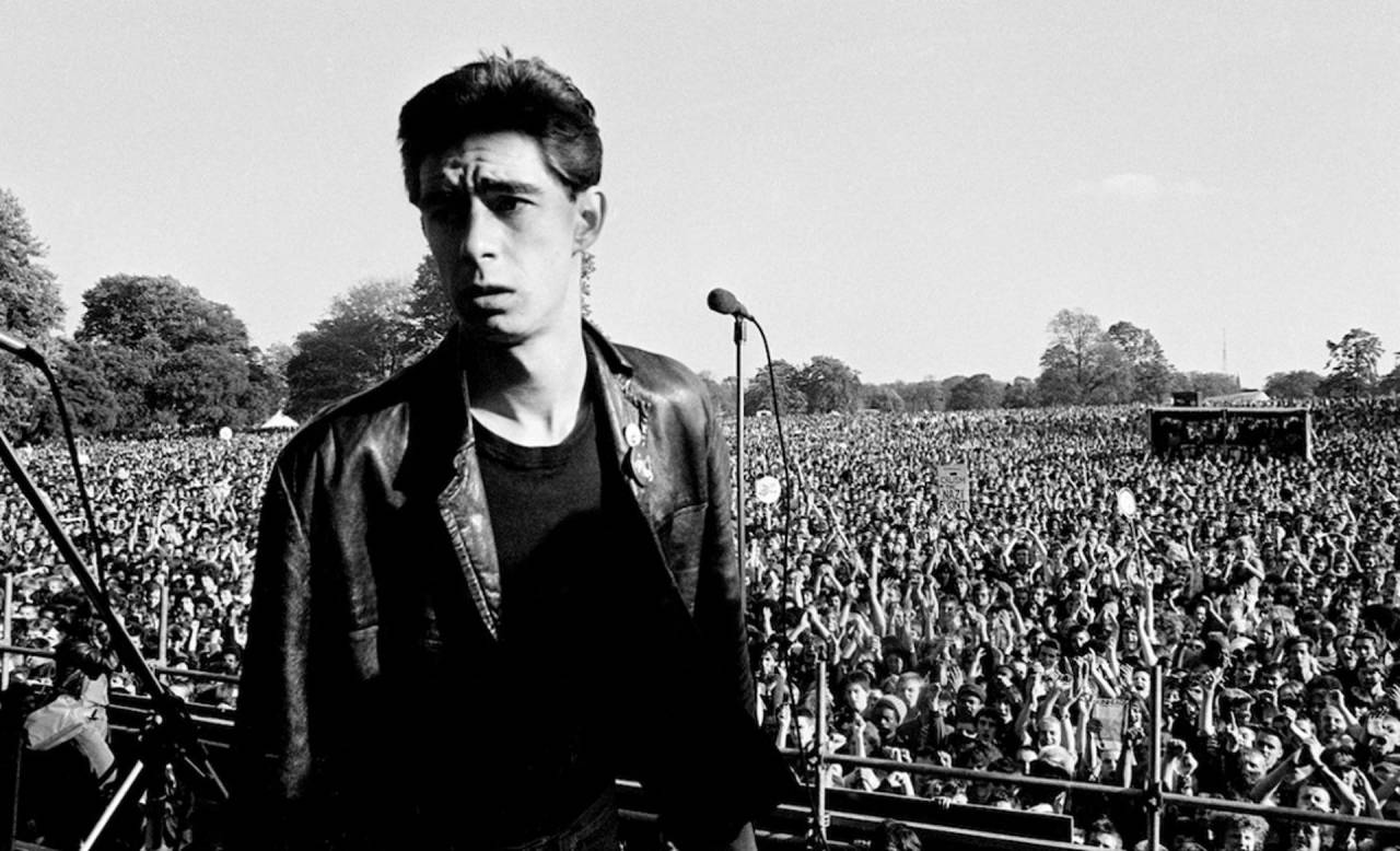 Jimmy Pursey of Sham 69 at Carnival 2, Brockwell Park, Brixton, 24 September 1978