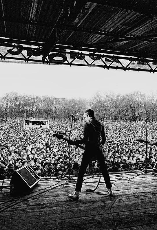 Paul Simonon , The Clash Victoria Park