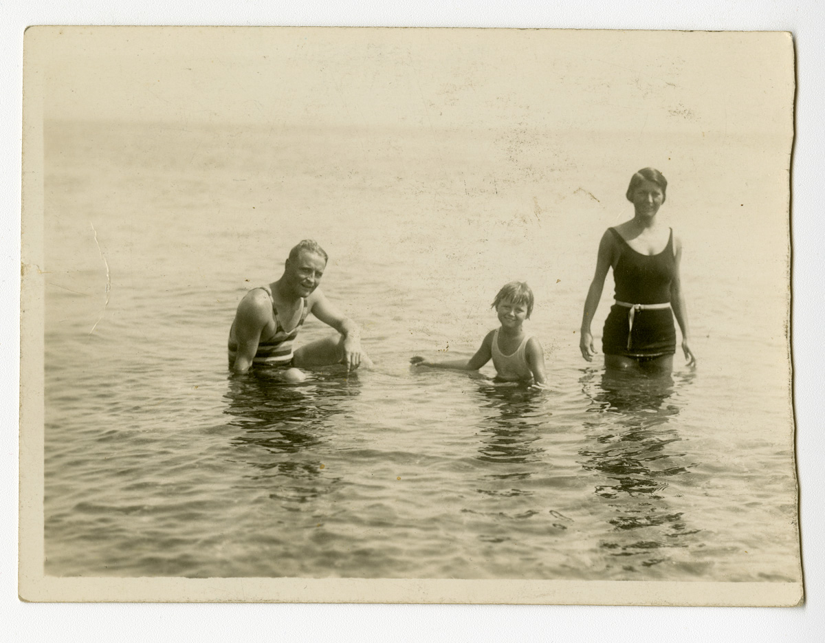 Scottie with F. Scott and Zelda at the seaside in France, ca. 1928.