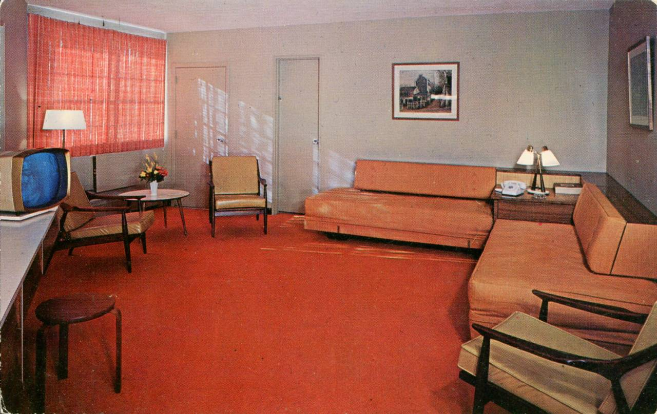 Stadium Motor Lodge, 65 Deluxe Fireproof Rooms, New York