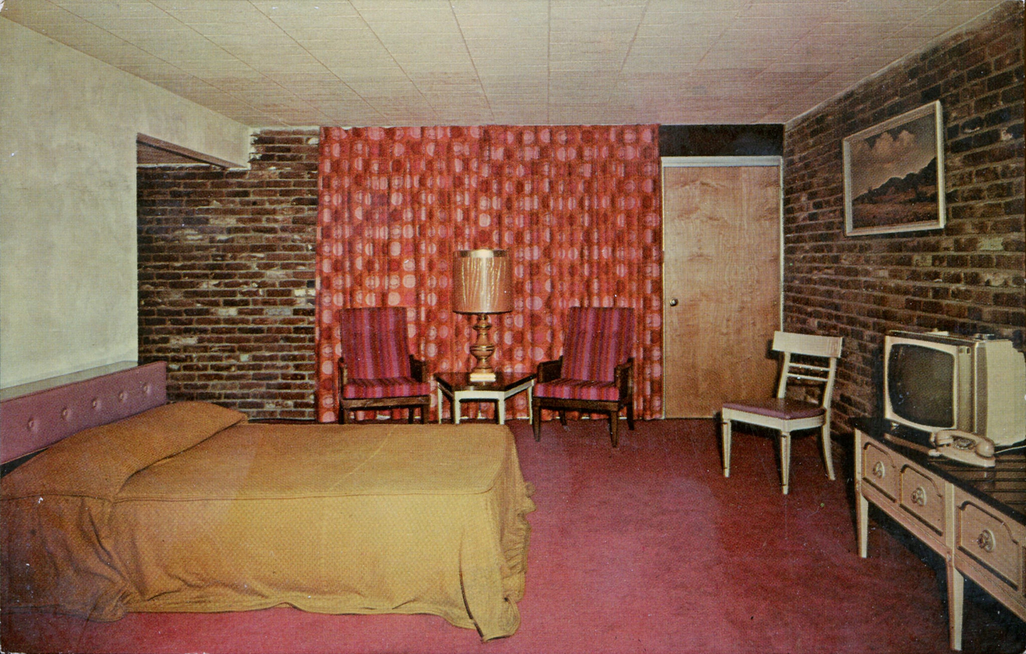 Postcards of Mid-Century Motel Rooms With Style - Flashbak