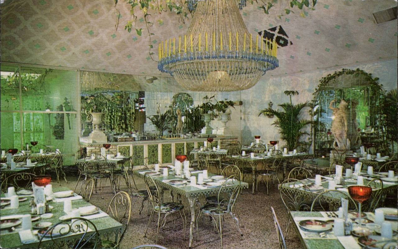 Chandelier Room, Kapok Tree Inn, Clearwater, Florida