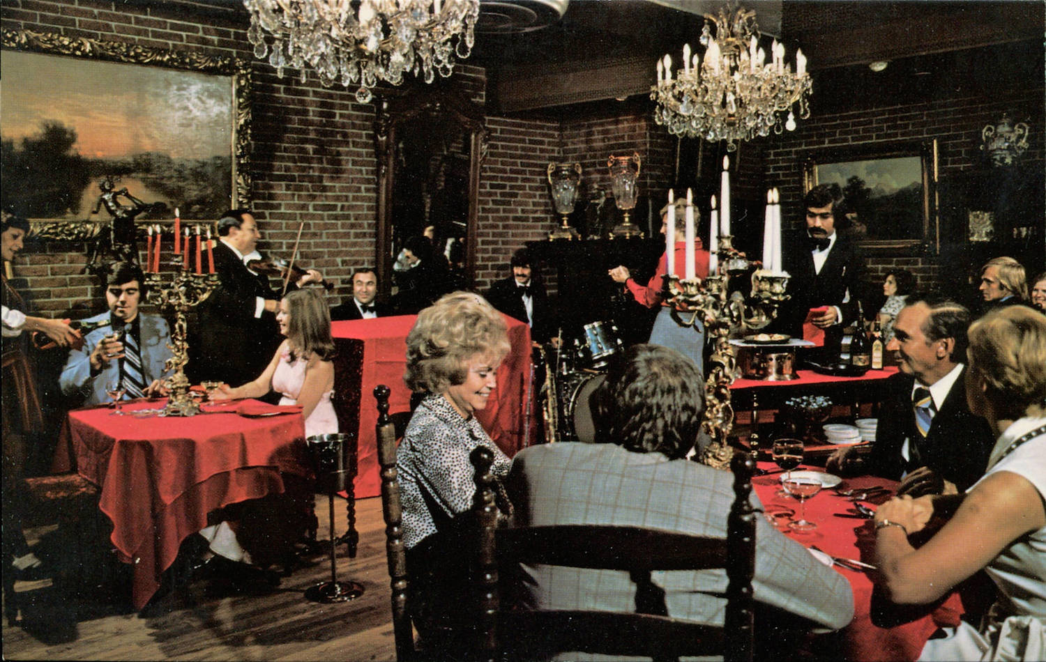 eating out: mind-blowing mid-century restaurant postcards |