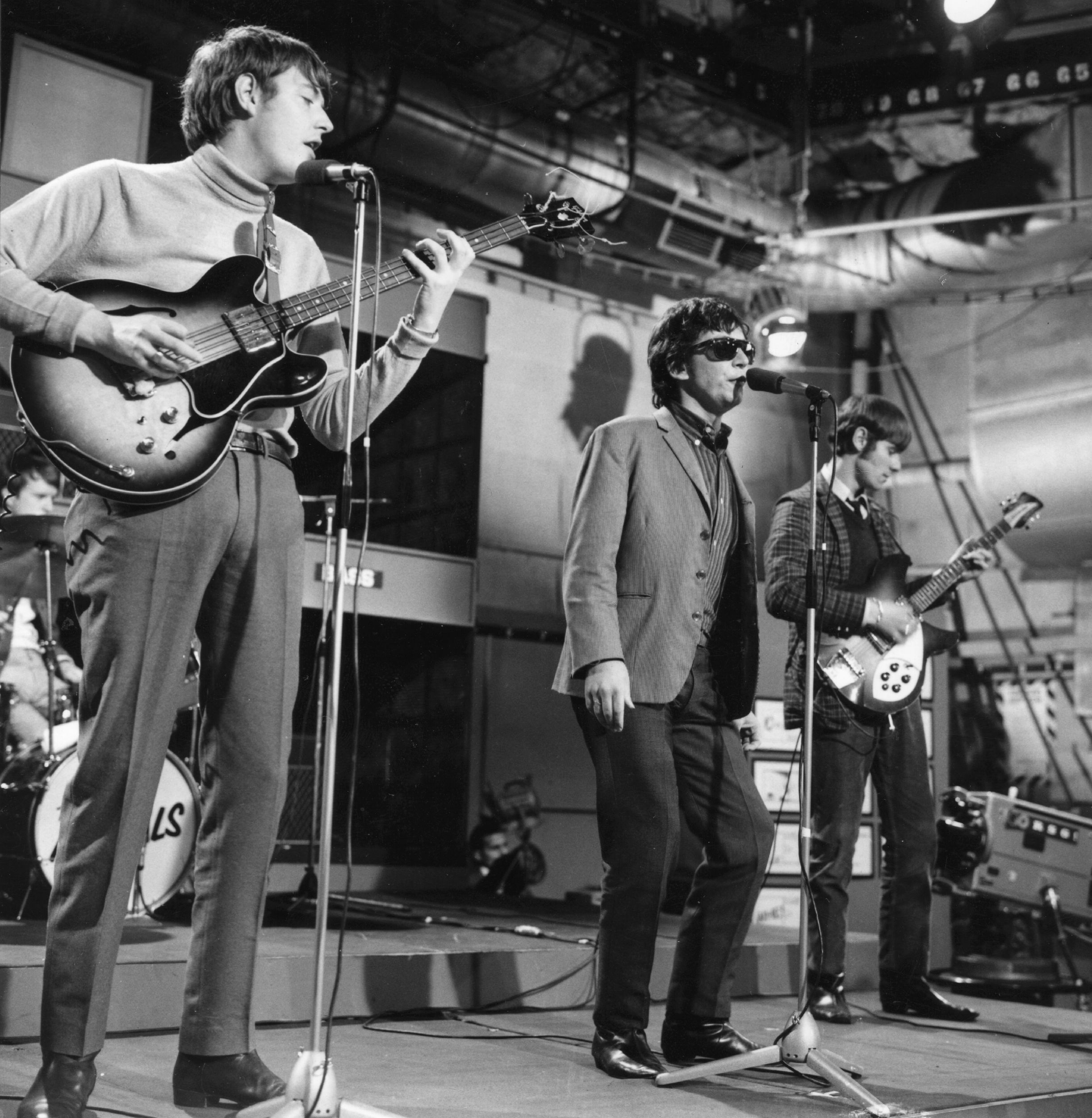 Pop group The Animals performing in the 'Ready Steady Go' television studio. (Photo by Express Newspapers/Getty Images)