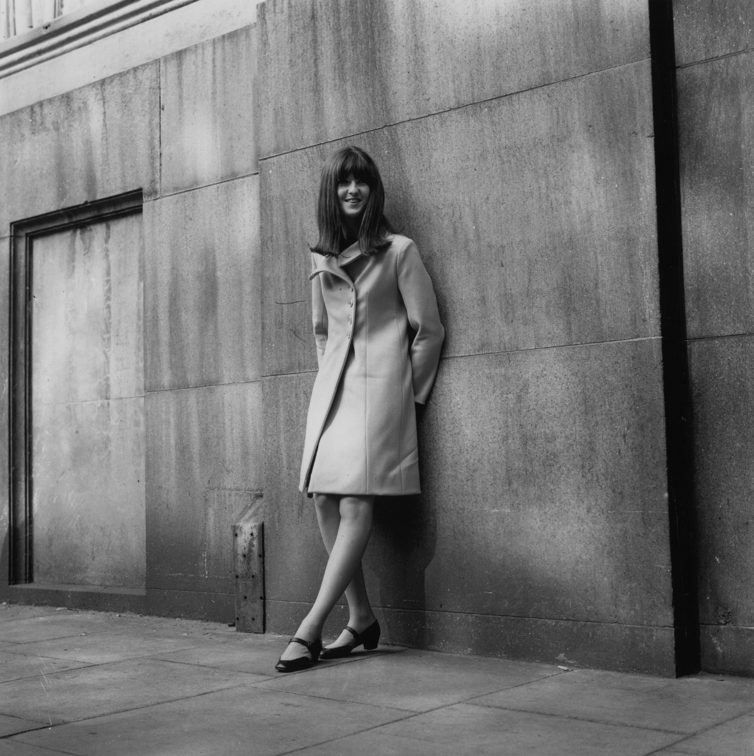 14th September 1965: Cathy McGowan, the presenter of the British pop music television show 'Ready Steady Go'. (Photo by Richard Chowen/Evening Standard/Getty Images)