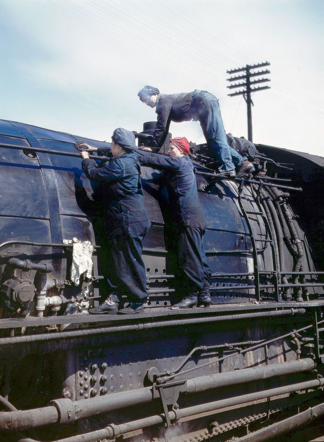 Wipers clean an H-class locomotive.